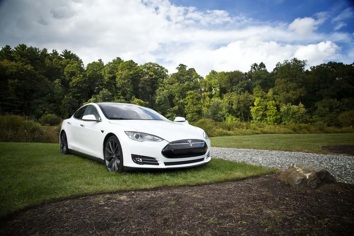 Tesla Model S spłonął w pożarze.