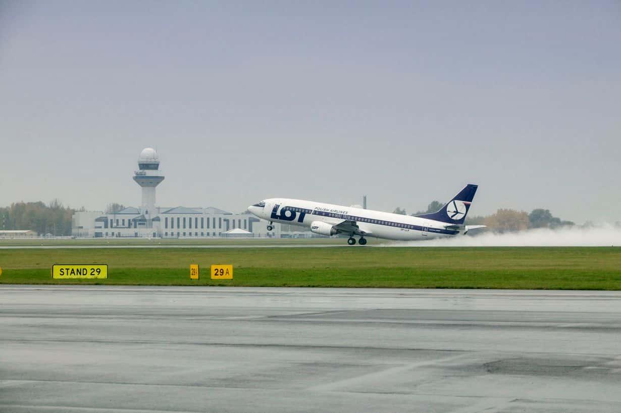 Boeing 737 należący do LOT