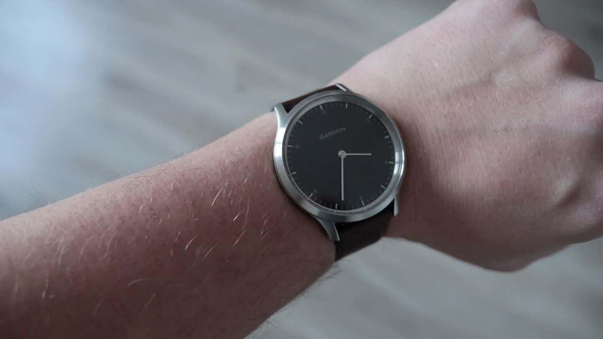 Garmin Vivomove HR - klasyczny zegarek z funkcjami smart