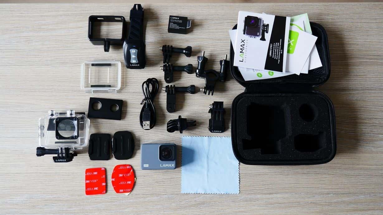 Kamera sportowa LAMAX X10.1 to nie tylko urządzenie, ale też masa dodatkowych akcesoriów