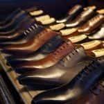 Elegancki mężczyzna w eleganckich butach - jak wybrać męskie półbuty?