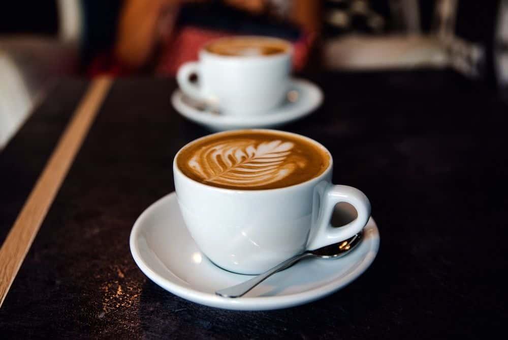 Kawa Latte czy flat white? Czym będą się różnić?