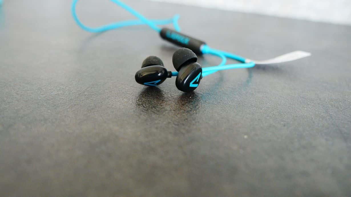 LAMAX Tips1 - test słuchawek dla sportowców