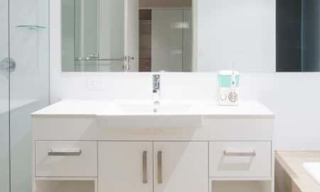 TrueLife AquaFloss Station - zadbaj o higienę jamy ustnej