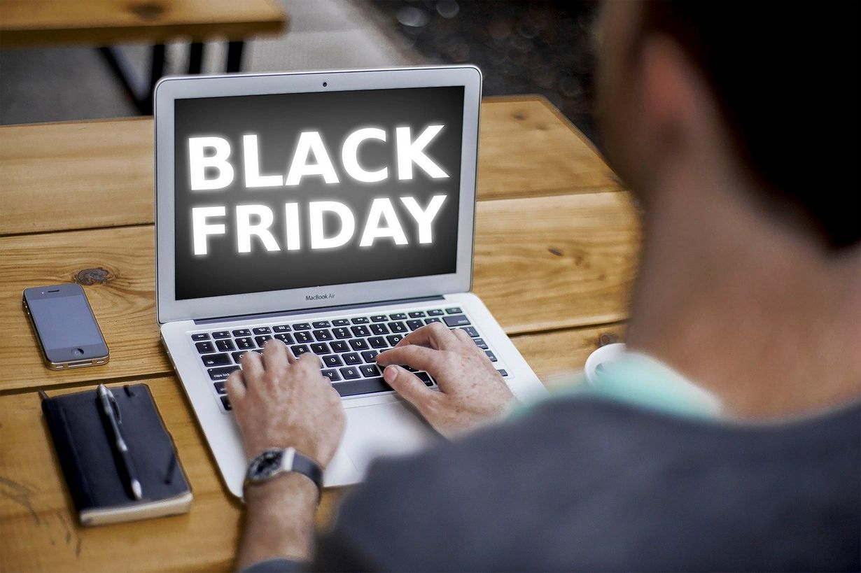 Co to jest Black Friday, a czym jest Cyber Monday?