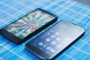 Dwa smartfony w kieszeni - czy tego potrzebujesz?