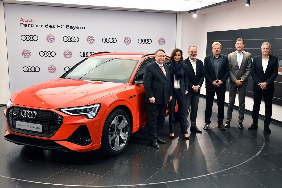 Robert Lewandowski będzie jeździł Audi e-tron. To auto elektryczne