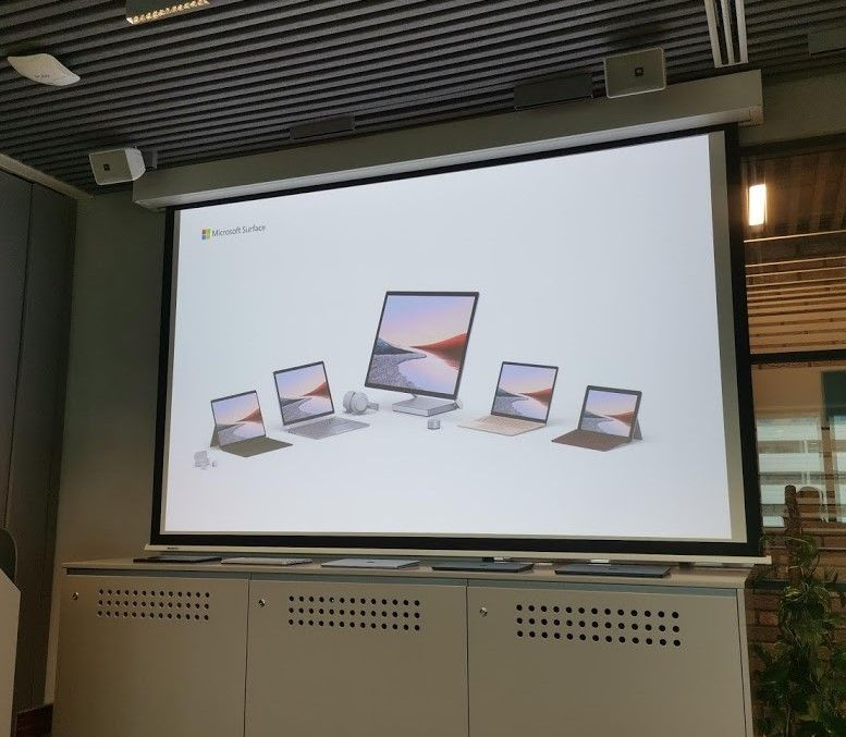 Microsoft Surface w komplecie. Producent software tworzy sprzęt