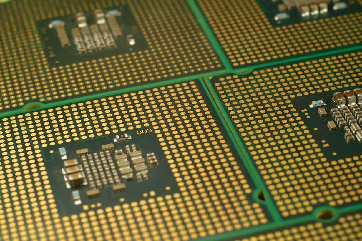 AMD czy Intel? Jakiego kupić laptopa? Postaram się podpowiedzieć.