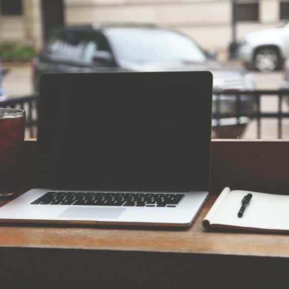 Jakiego kupić laptopa? Poradnik zakupowy