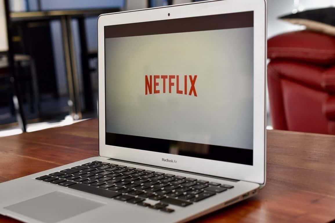Netflix dziś wieczorem? Propozycje filmów na piątkowy wieczór