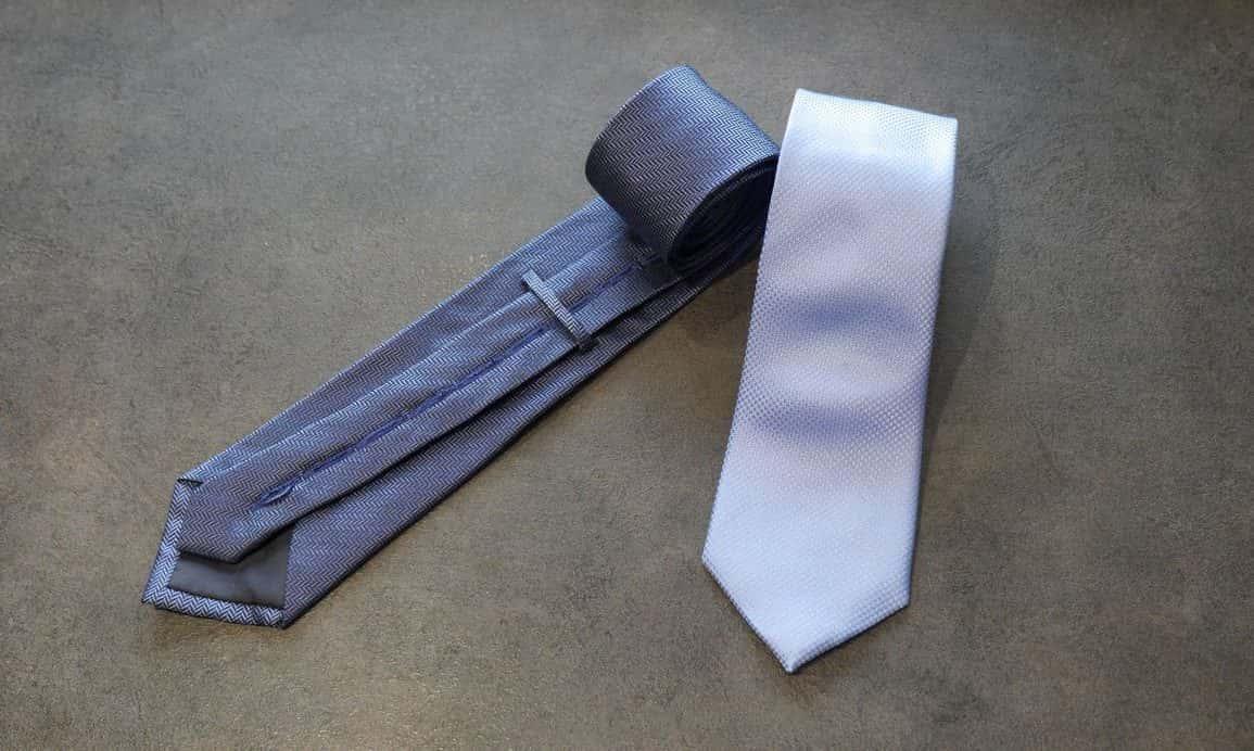 Krawat przylegający do koszuli MakTie - szybki test