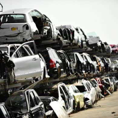 Ile można dostać pieniędzy za złomowanie samochodu?