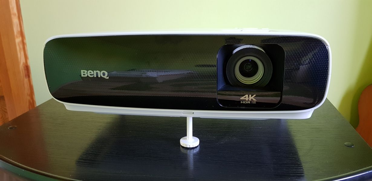 projektor BenQ TK810 4K HDR_