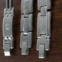 Ekskluzywne bransoletki męskie - jakie wybrać