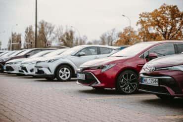 Jak wybrać dobry samochód używany? Program Toyota Plus