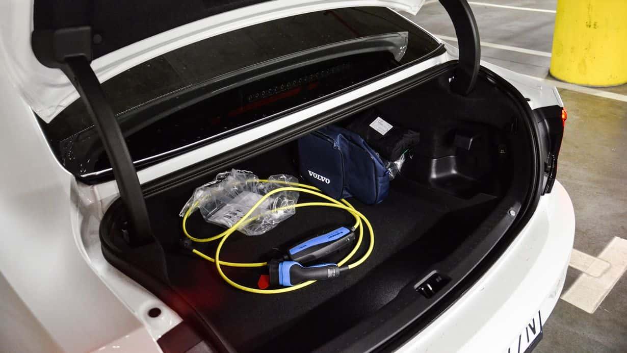 Test Volvo S90 T8 Recharged - szwedzka hybryda plug-in