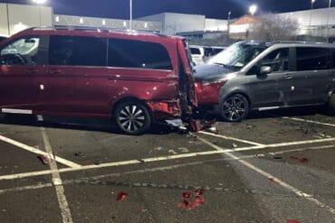 były pracownik Mercedesa zniszczył nowe samochody