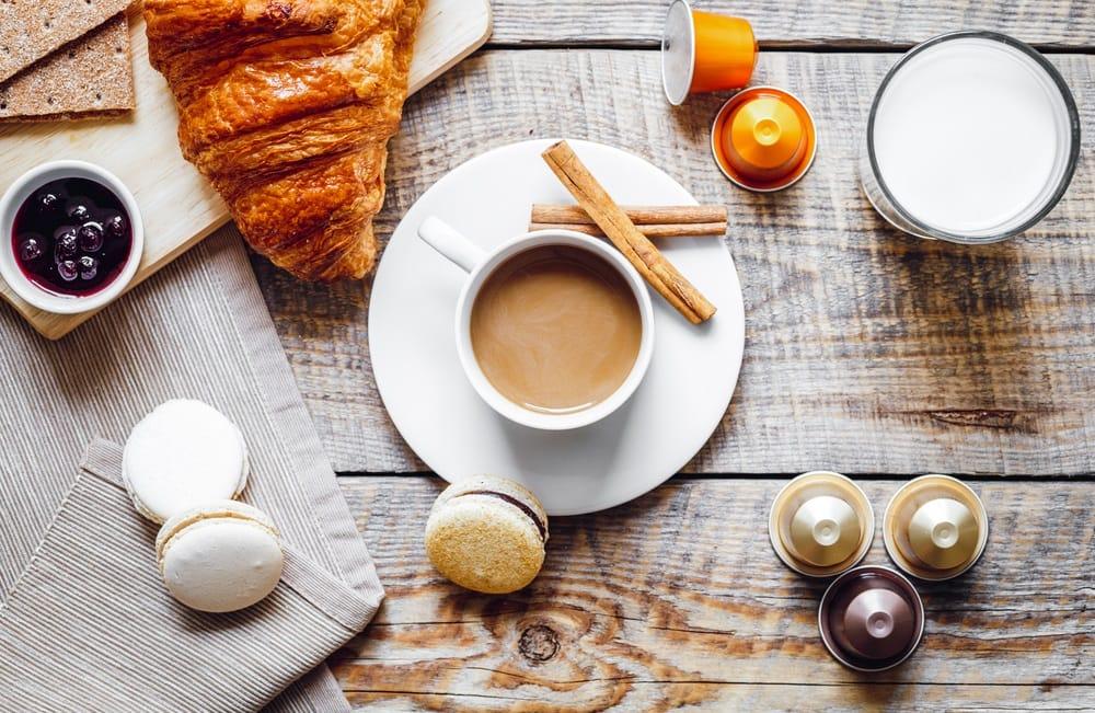 Jak serwować popularne kawy