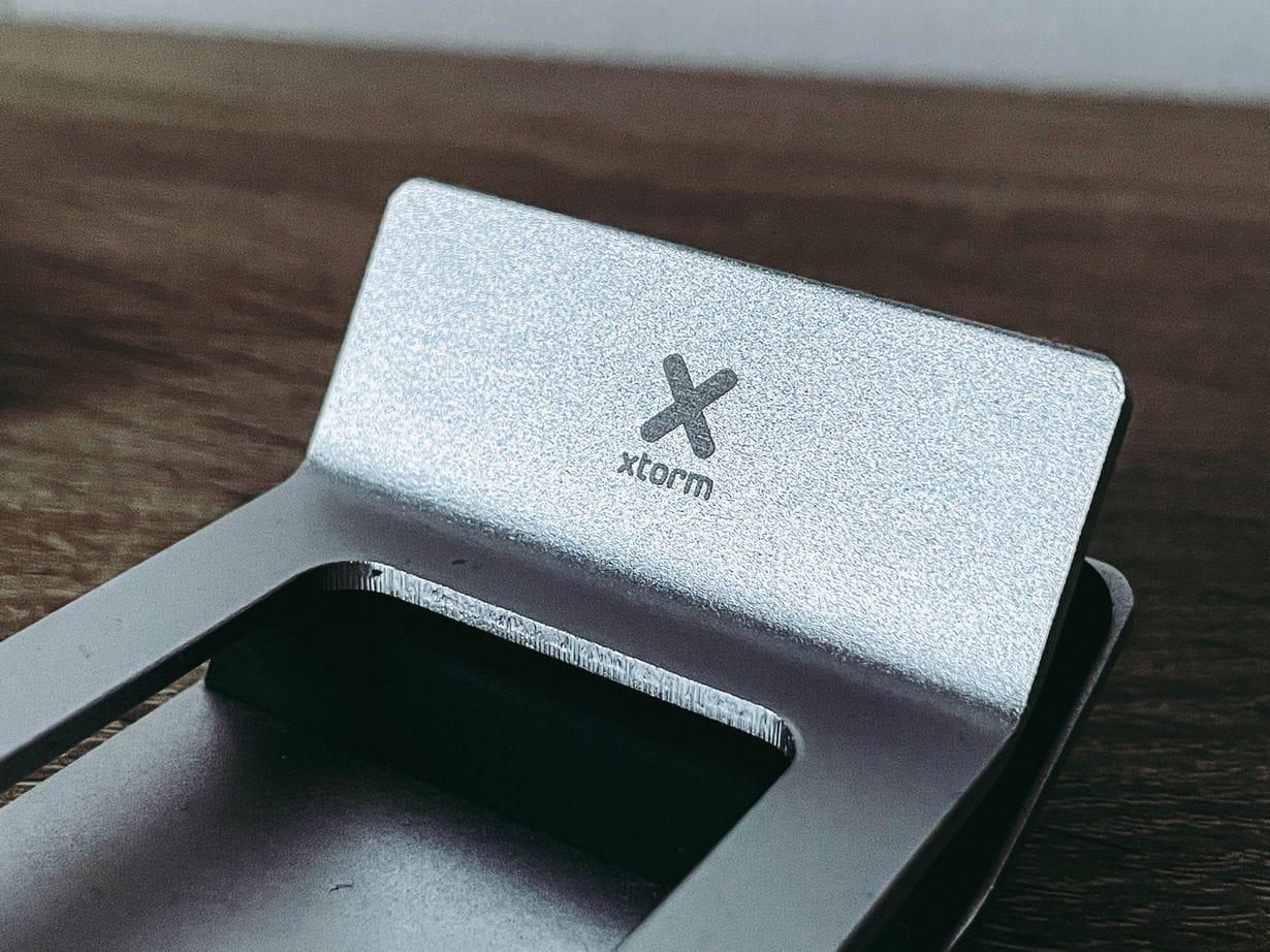 Ładowarka indukcyjna do smartfonów XTORM Design Delta Stand
