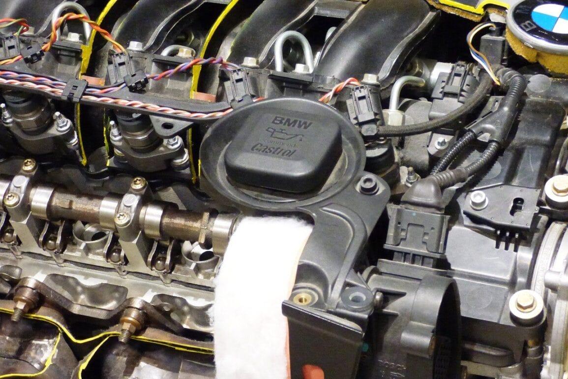 Jak czytać oznaczenia na opakowaniach olejów silnikowych?