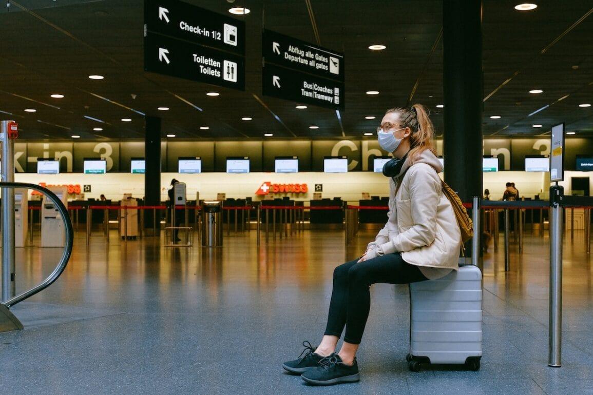 COVID-19 - nowe obostrzenia dla przyjezdnych z zagranicy