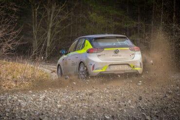 Elektryczny Opel Corsa-e Rally ze... sztucznym dźwiękiem. Yyy, co