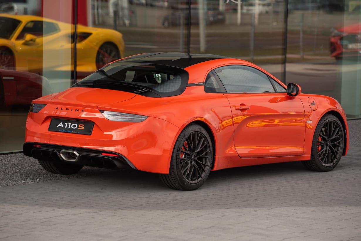 Alpine A110 w kolorze Orange Sanguine. Jeden ze 110 egzemplarzy