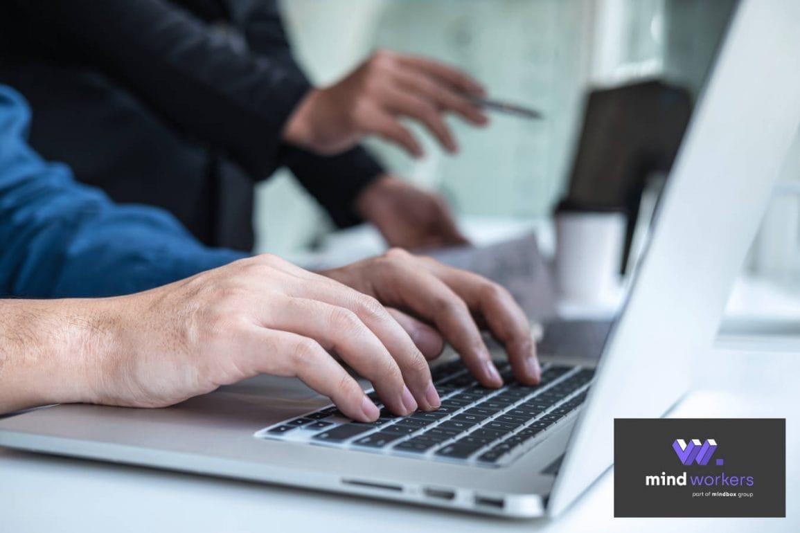 Na czym polega outsourcing IT i kiedy warto się nad nim zastanowić?