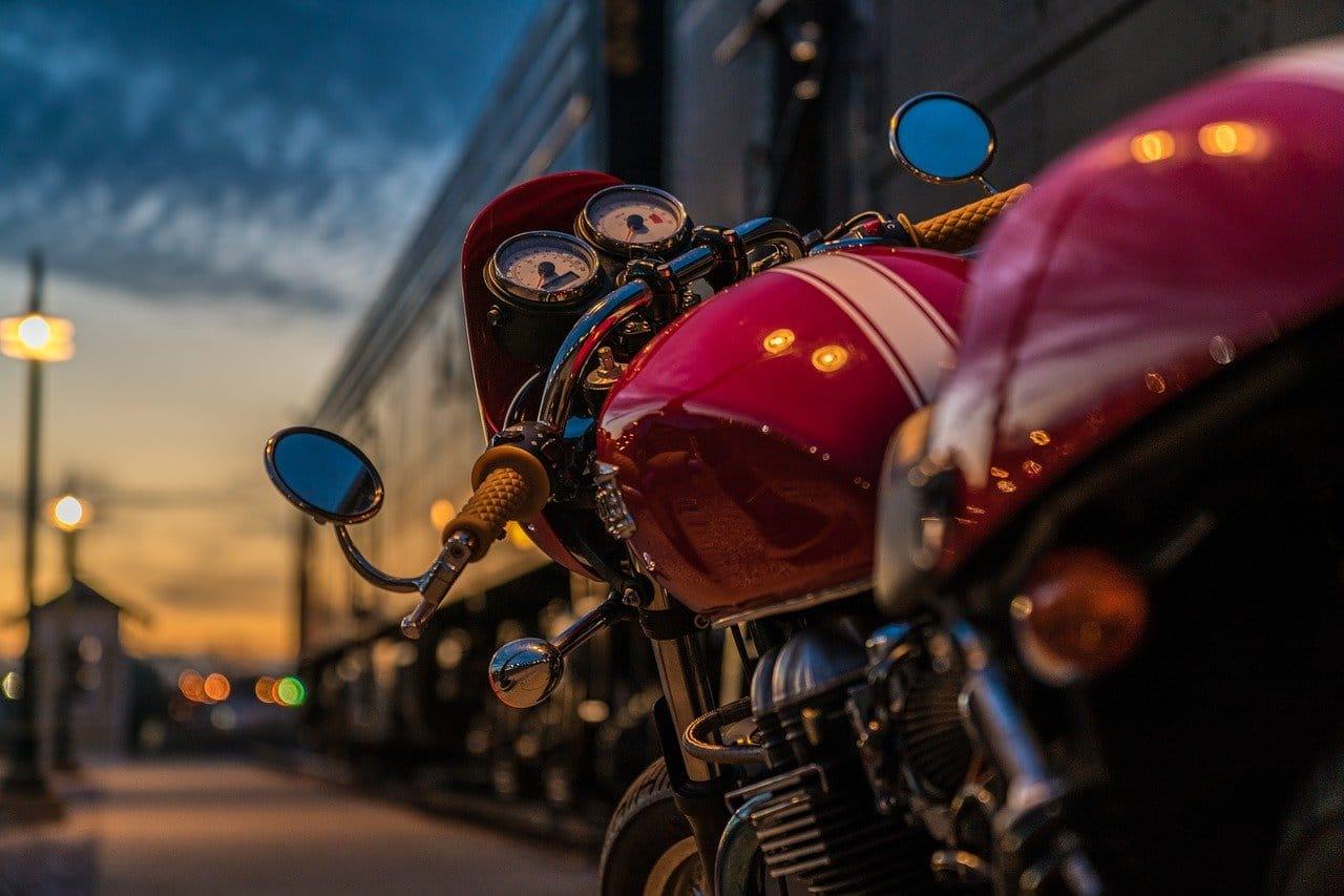 Bezpieczeństwo na motocyklu – co zrobić, aby je poprawić?